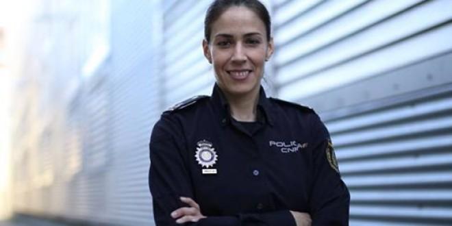 Policía experta en ciberseguridad: «Si vieran lo que yo veo cada día, no darían móviles a sus hijos»
