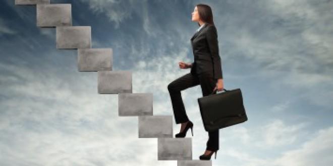 Cuatro de cada diez mujeres cree que tendrá que salir de su empresa para ascender
