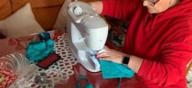 Mujeres de Domingo Pérez cosen mascarillas, en una cadena solidaria para luchar contra el coronavirus