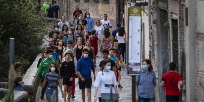Los nuevos infectados de coronavirus en Granada son más jóvenes: niños y menores de 29 años