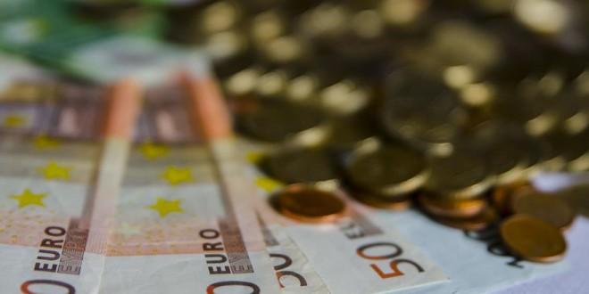 El miedo al contacto amenaza el trono del dinero en efectivo como principal método de pago en el mundo