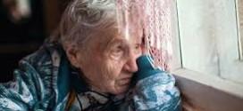 Cómo la soledad afecta la salud de los adultos mayores