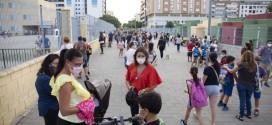 Más de 12.000 alumnos siguen sin comedor escolar en Andalucía tres semanas después del arranque del curso