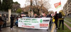 'Con la comida no se juega', lema de la manifestación por los comedores escolares