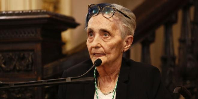 Cultura realiza un homenaje a la poetisa granadina Mariluz Escribano