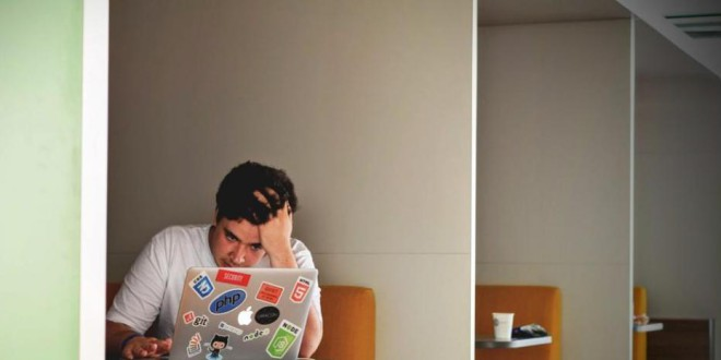 El 88 % de los españoles se autodiagnostica buscando sus síntomas en Google