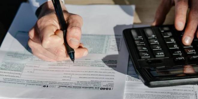 Las 8 deducciones 'extra' que pueden suponer un ahorro en la Declaración de la Renta