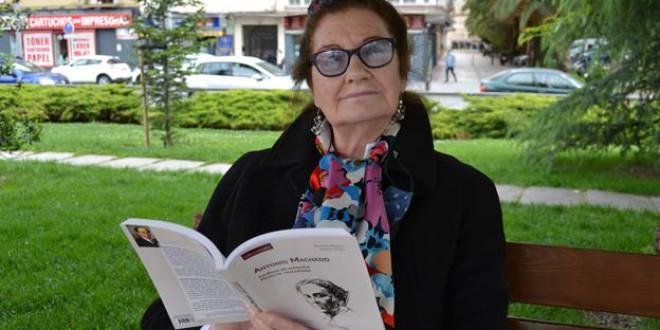 «'Antonio Machado. Memoria custodiada' es un libro lleno de amor, reivindicación y sabiduría»