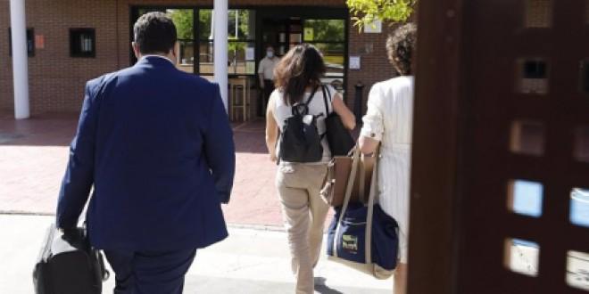 La concentración en recuerdo de las víctimas de violencia machista reclama libertad para Juana Rivas