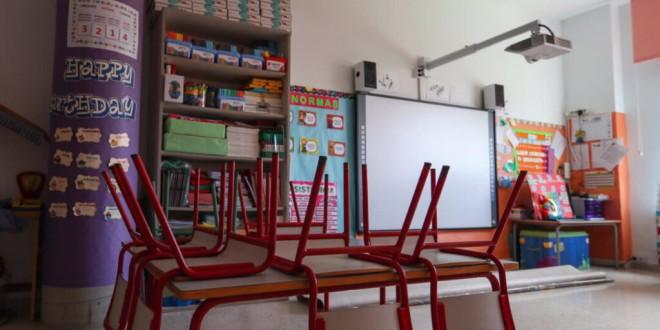 Casi 1.000 aulas tuvieron que cerrar por Covid en Granada durante el curso pasado