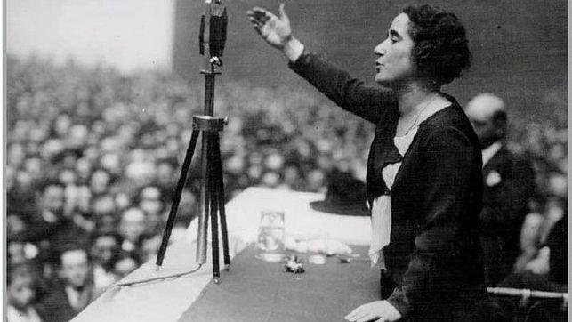 Clara-Campoamor-discurso-Foto-artehistoriacom_EDIIMA20150418_0076_4