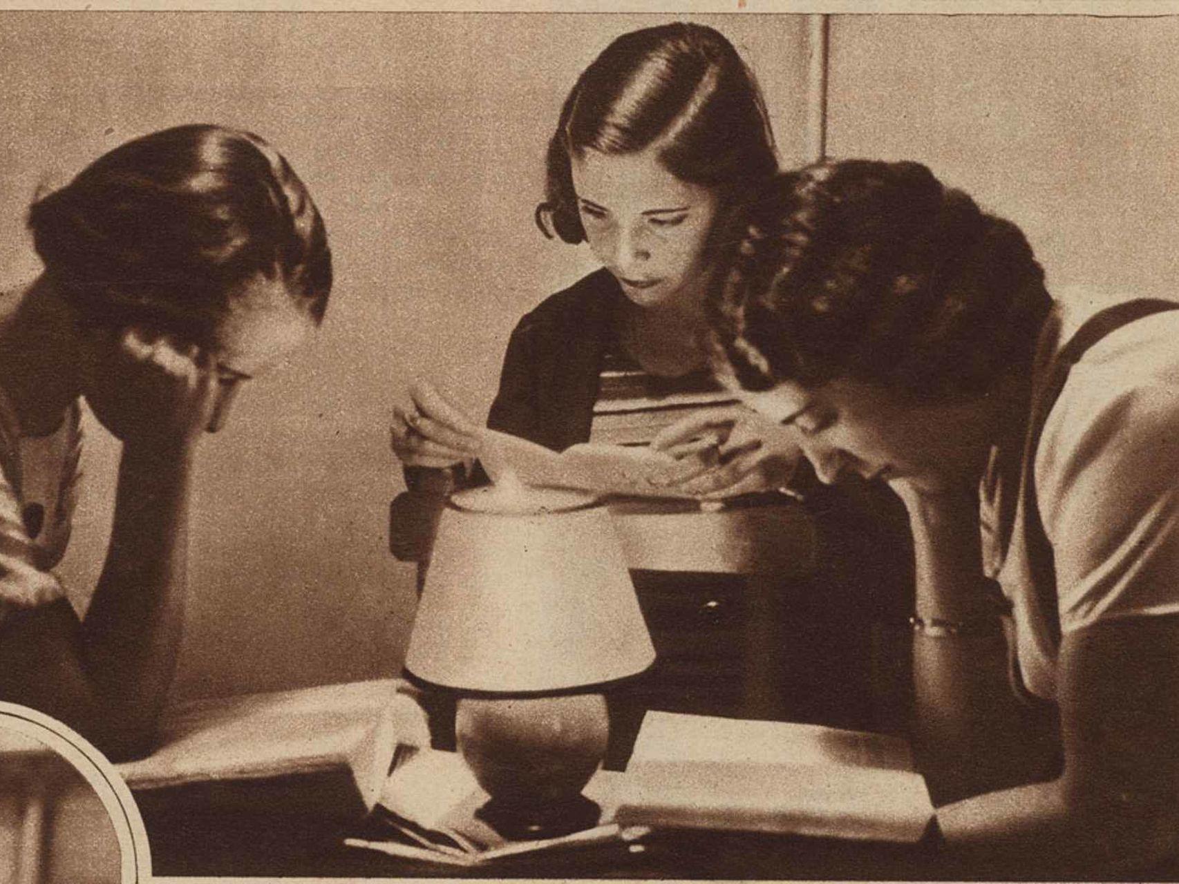 Alumnas-Residencia-Senoritas-estudiando_83751726_255343_1706x1280