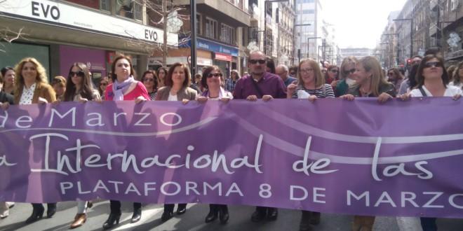 Un 8-M en Granada teñido de política y de reivindicación