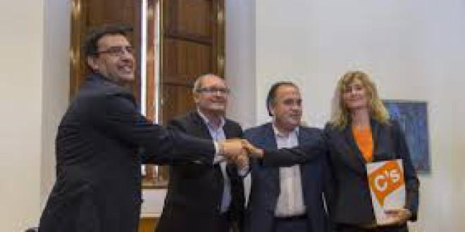 El acuerdo entre PSOE y Ciudadanos EN ANDALUCIA: listas abiertas, quitar aforamientos y puertas giratorias y limitar mandatos