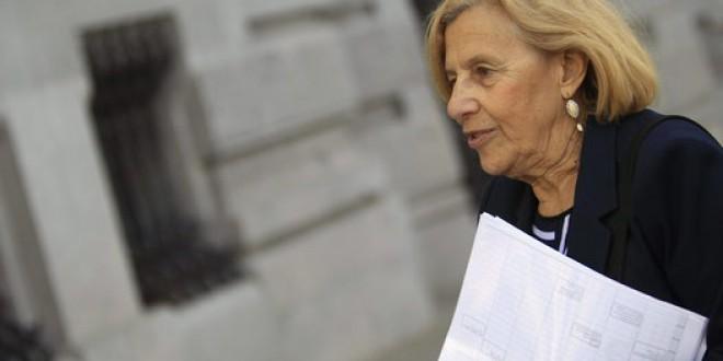 Carmena: «Queremos gobernar escuchando, que nos llamen por el nombre de pila»