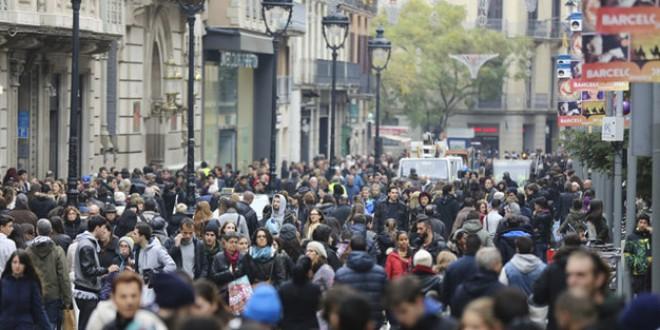409.000 personas se fueron de España en el 2014 y la población se redujo a 46,4 millones