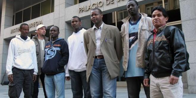 Los impuestos que pagan los inmigrantes superan a las ayudas sociales que reciben
