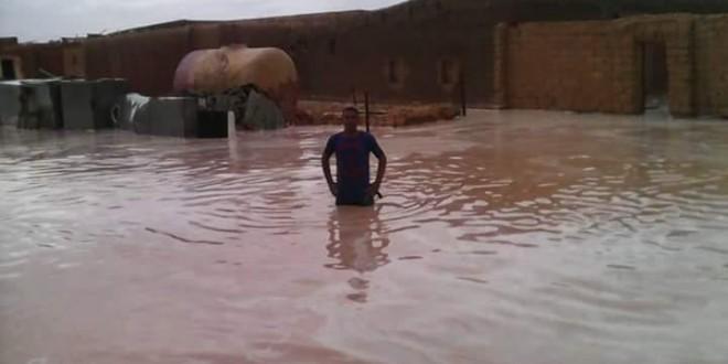 Llueve en el desierto del Sáhara: «espero que nunca seáis refugiados, que es una putada»