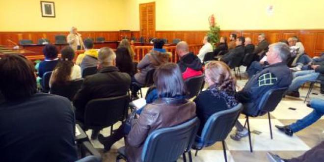 Los miembros de las mesas electorales de ATARFE, se informan para la votación el 20D