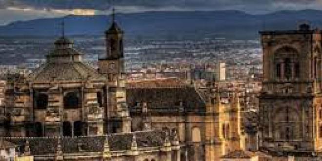 EN ESTE PUENTE ¿Cuáles son los horarios y precios de los monumentos y museos de Granada?