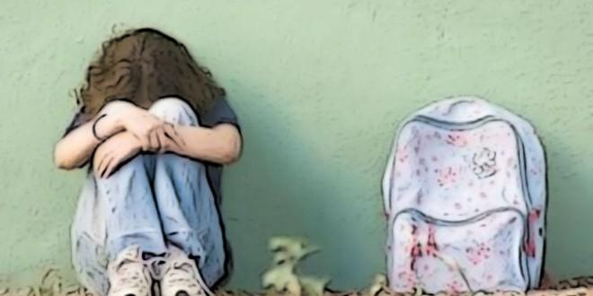 La principal medida del plan del Gobierno contra el acoso escolar es un teléfono de atención gratuito