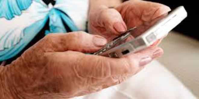 Una mujer de 93 años sufre un ictus tras ser atracada en Atarfe