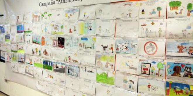 Escolares de cinco colegios de Atarfe se suman a la campaña sobre la limpieza de los excrementos de perros
