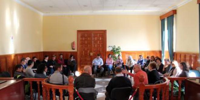 Reunión del absentismo escolar y visitas del Delegado de Educación
