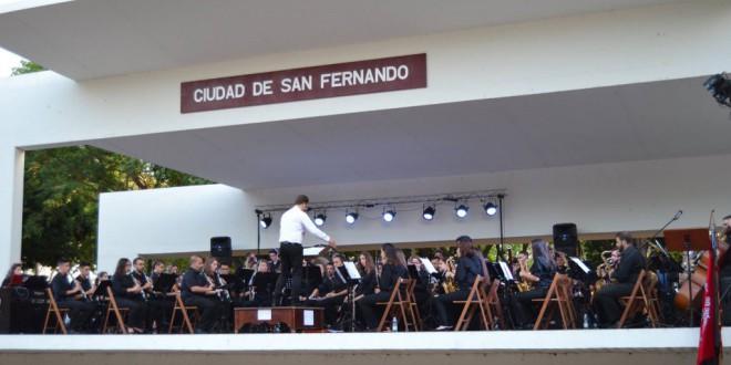 La Banda Sinfónica Municipal de Música Ciudad de Atarfe gana el concurso de bandas de San Fernando