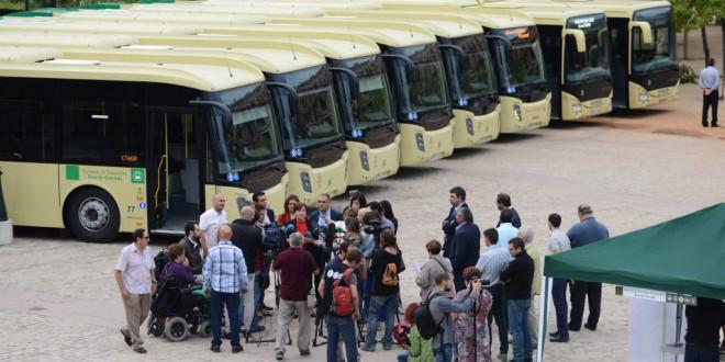 Atarfe contará en su linea 122 con autobuses más accesibles , con portabicis y zona de carga de móvil