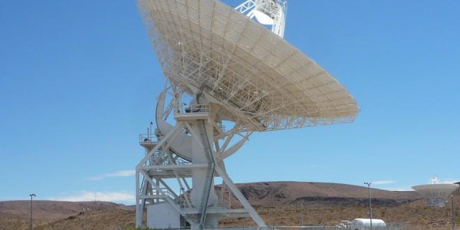 Dos astrónomos detectan señales extraterrestres procedentes de 234 estrellas diferentes