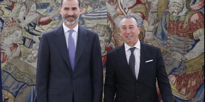 """El Rey pide """"diálogo"""" con Catalunya y """"no tener miedo"""" a una reforma constitucional"""