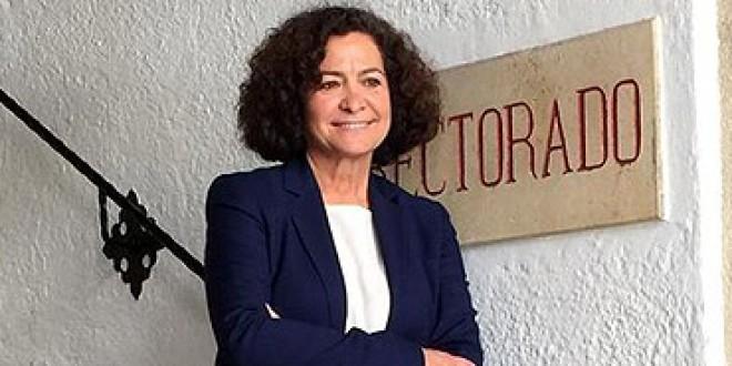 El PSOE reconoce con el premio Clara Campoamor el trabajo de la rectora de la UGR, Pilar Aranda