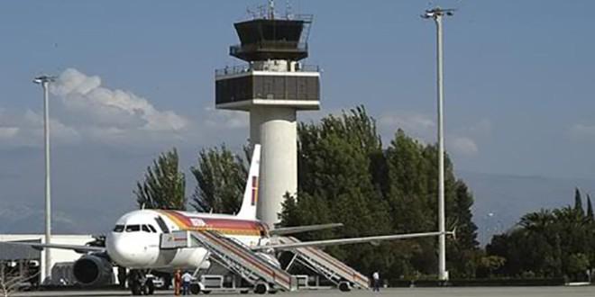 El aeropuerto Federico García Lorca aumentó un 24,8% la cifra de pasajeros en septiembre