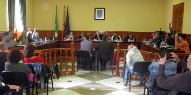 La portavoz del PSOE rectifica y vota en contra de anular los acuerdos aprobados en el pleno de septiembre