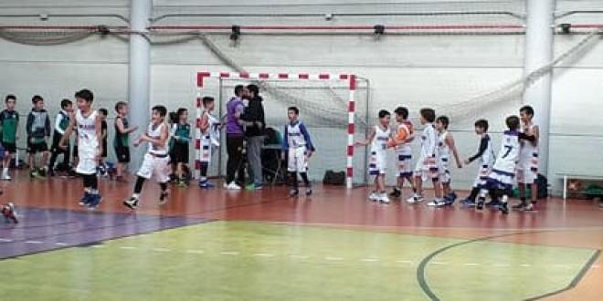 ATARFE: El pasado domingo tuvo lugar la presentación oficial de los equipos de baloncesto del Cab Atarfe