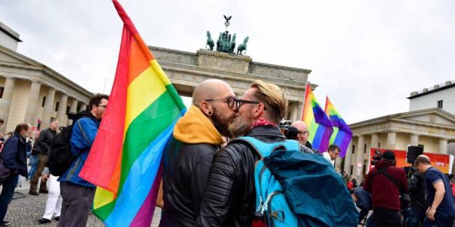 Los matrimonios homosexuales también gozan de libertad de circulación en la UE