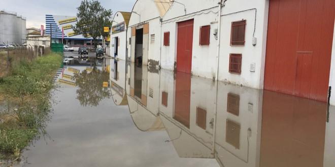 ATARFE: Recogen 450 firmas en Atarfe para solicitar al alcalde una solución «lo antes posible» a las inundaciones