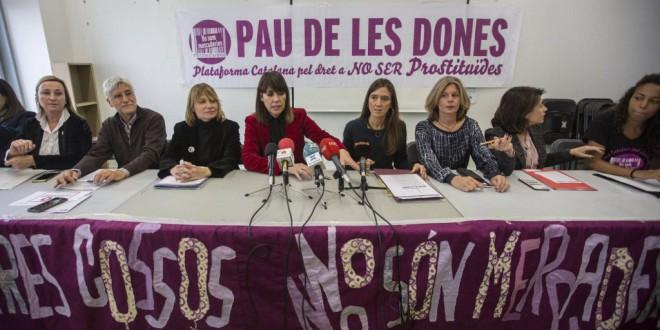Un centenar de ayuntamientos piden políticas para abolir la prostitución