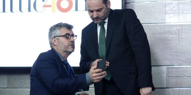 """""""Por España, reenvía este vídeo"""": la campaña electoral se juega en WhatsApp"""