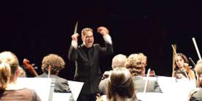 El concertista Guillermo Pastrana y la Orquesta de Cámara Centro Música dirigido por Jose Antonio Guerrero en Almuñecar