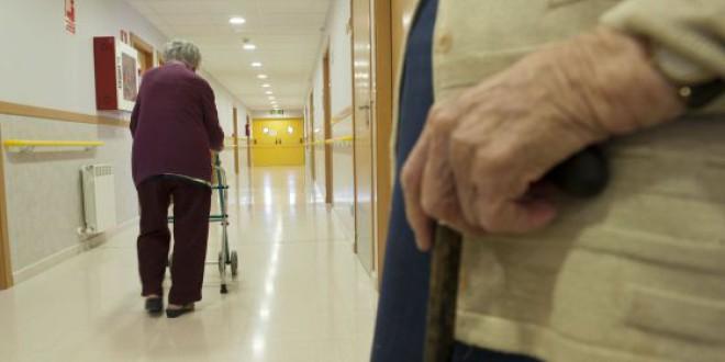 Rajoy recortó 2.865 millones en dependencia en su legislatura