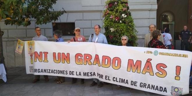 '¡Ni un grado más!', lema de la tercera Marcha por el Clima de Granada