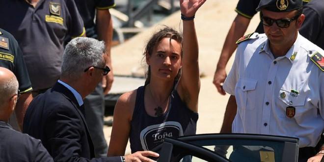 La capitana del 'Sea Watch 3' queda en libertad tras comparecer ante la juez