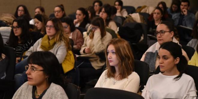 La FP supera por primera vez a la formación universitaria a la hora de ofertar empleo en Andalucía