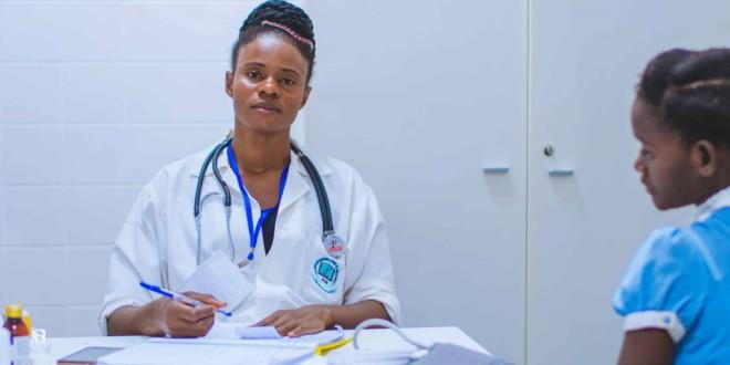 Cómo conseguir que los adolescentes confíen en el médico