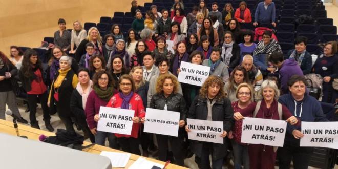 Rotundo éxito de la reunión sin precedentes del tejido asociativo feminista andaluz realizada ayer en Córdoba