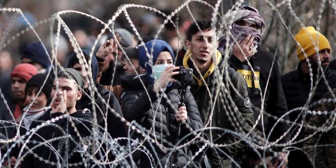 La gente que ayuda a las personas refugiadas y migrantes se expone a la cárcel y el hostigamiento en Europa