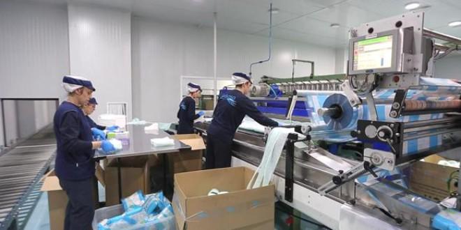 El coronavirus duplica los pedidos de esponjas de un solo uso fabricadas en Granada