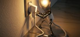 Ahorrar en estado de alarma: cambiar la tarifa eléctrica al PVPC abarata el recibo hasta un 29%